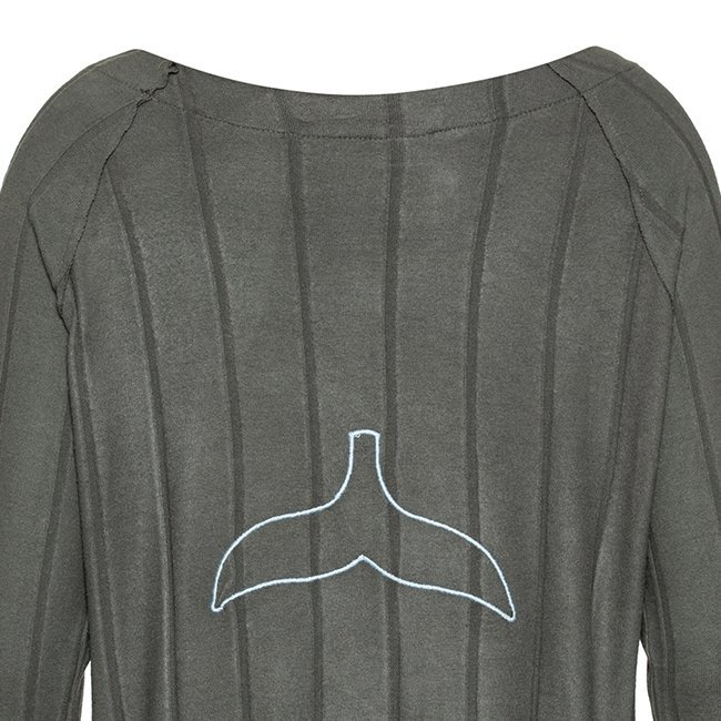 Women Whale Tail Sweater-3946