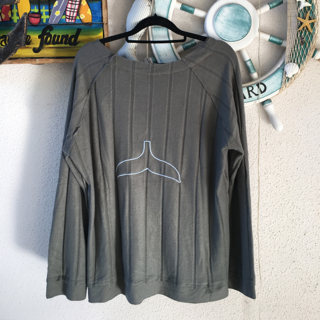 Women Whale Tail Sweater-3904