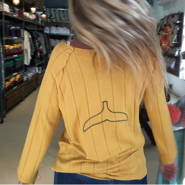 Women Whale Tail Sweater-3905