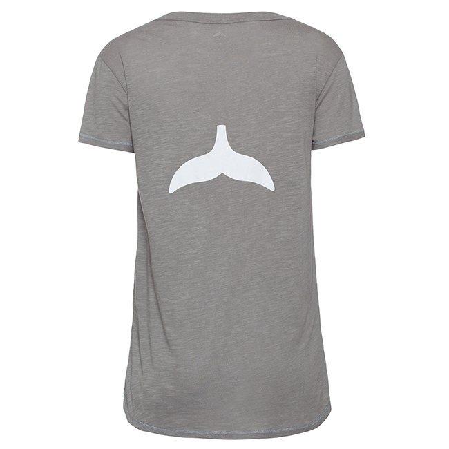 חולצת V עם סנפיר בגב-4667