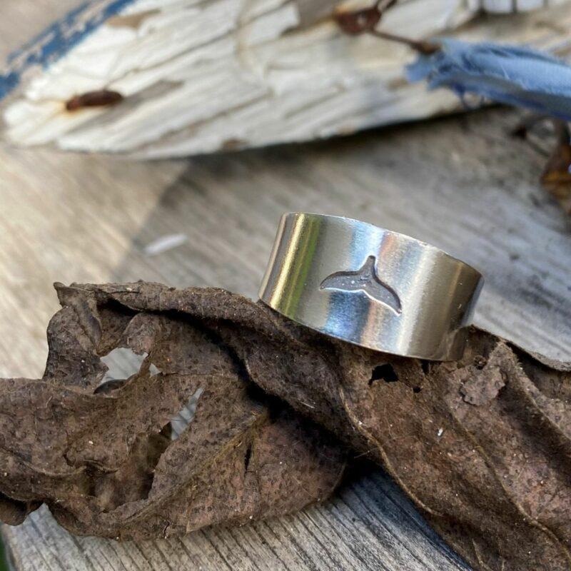 טבעת פתוחה - סנפיר מושחר