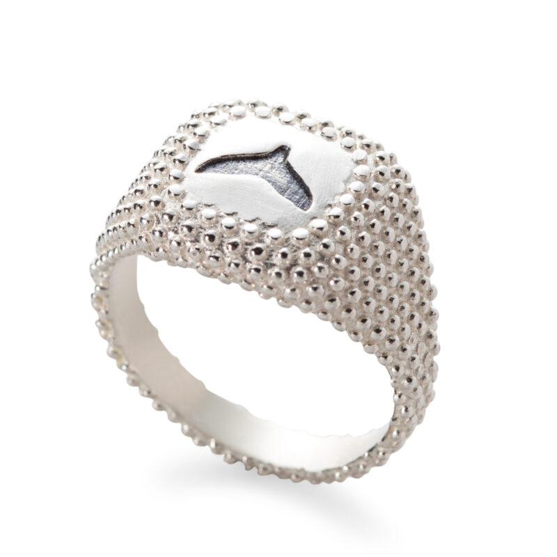 טבעת חותם מנוקדת עם סנפיר
