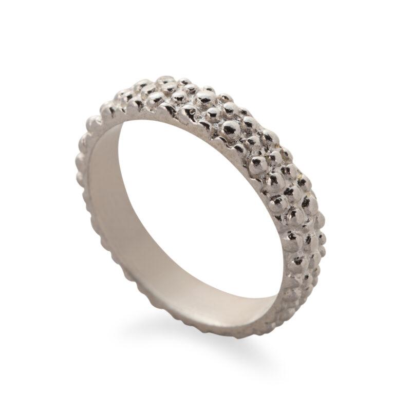 טבעת בייסיק מנוקדת כסף