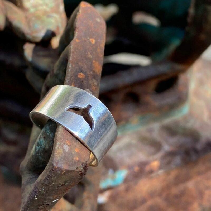טבעת פתוחה סנפיר חלול